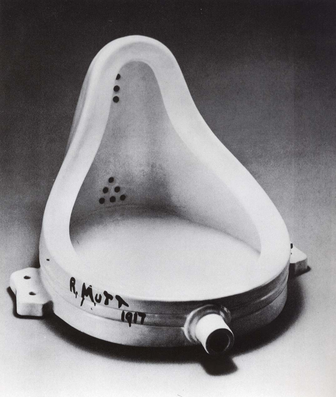 http://kakaos.files.wordpress.com/2008/07/duchamp1.jpg